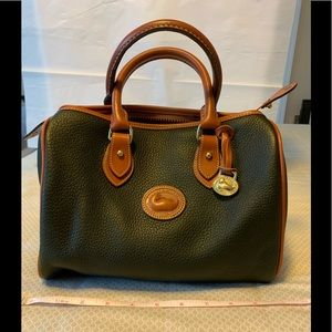 Dooney & Bourke R 28 Satchel.   EUC!!